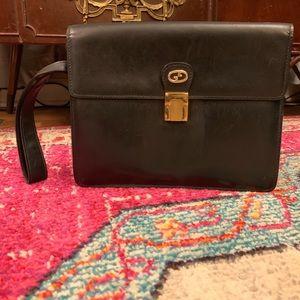 Gucci Bags - FINALPRICE Vintage Gucci Leather Latch Clutch Bag